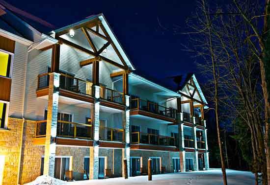Manoir du lac William balconies